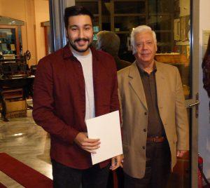 Το πρώτο βραβείο παρέλαβε ο Δημήτρης Λελάκης από τον κ. Αντώνη Γκαζή.