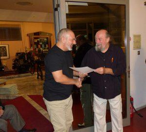 Ο Γιώργος Πατσαλίδης έλαβε την τιμητική του διάκριση από τον κ. Σπύρο Ορνεράκη.